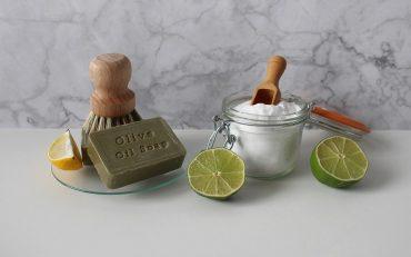 8 recettes de produits nettoyants naturels