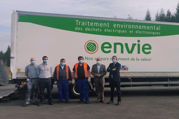 Envie : photo illustrant les équipes de Center Parcs Les Trois Forêts (situé à Hattigny en Moselle) et d'Envie Strasbourg